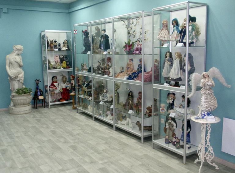 Бирюзовый зал арт-галереи