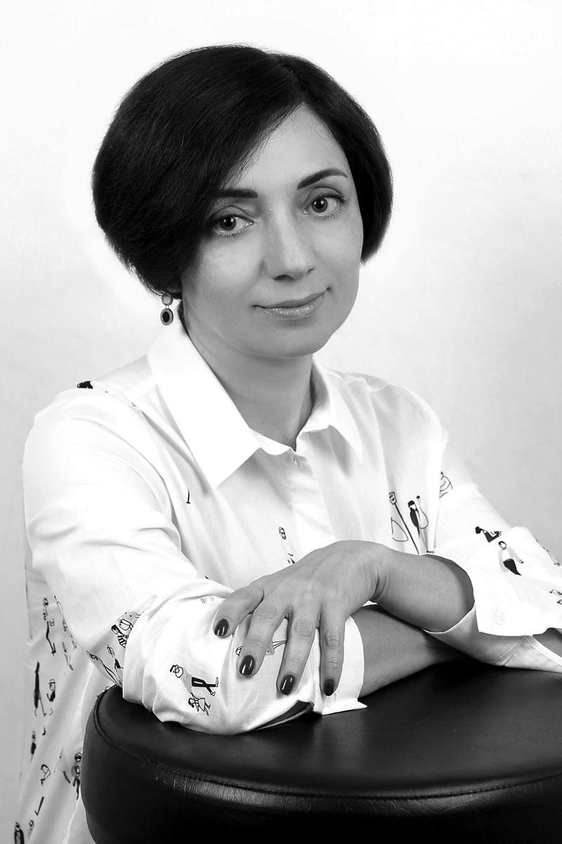 Юлия Володарская